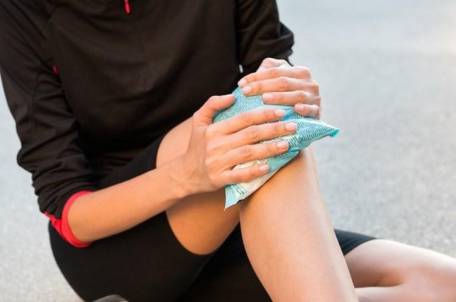 Berbagai Penyebab Lutut Bengkak dan Cara Mengatasinya - Alodokter