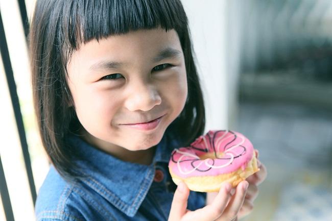 Benarkah Konsumsi Gula Berlebih Picu Anak Hiperaktif? - Alodokter