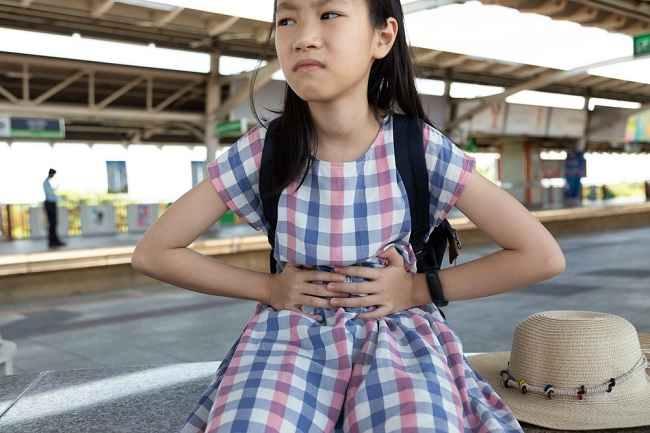 5 Cara Mengatasi Kebiasaan Anak Buang Air Besar (BAB) di Celana - Alodokter