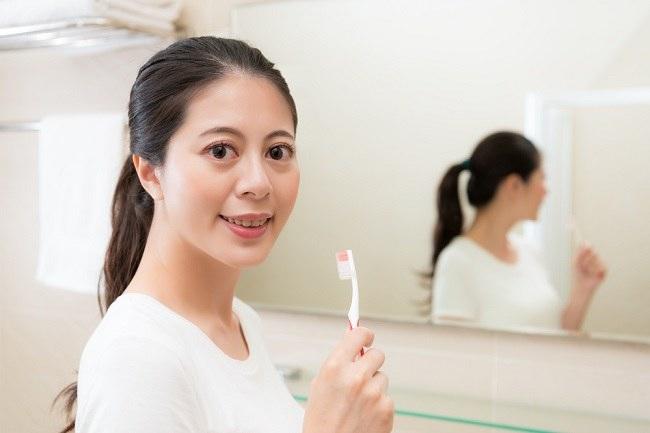 Ketahui Penyebab Gigi Sensitif dan Solusinya - Alodokter