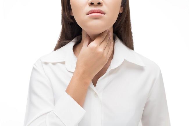Cara Mengatasi dan Mencegah Benjolan Pita Suara - Alodokter