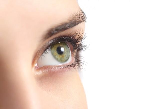Pupil Mata, Si Hitam yang Peka terhadap Cahaya - Alodokter