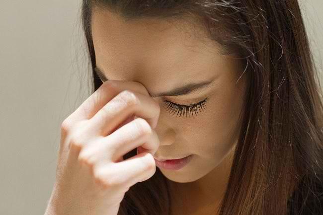 Ketahui Perbedaan Sedih dan Depresi, serta Penanganannya - Alodokter