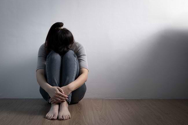 Ketahui Perbedaan Sedih Dan Depresi Serta Penanganannya Alodokter