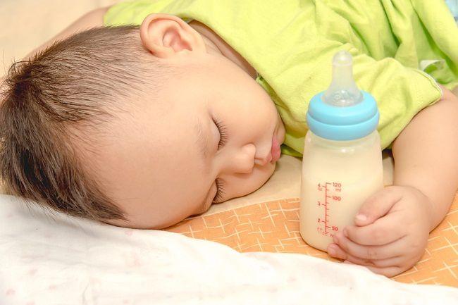 Bunda, Kenali Tanda-Tanda Bayimu Alergi Susu Sapi - Alodokter