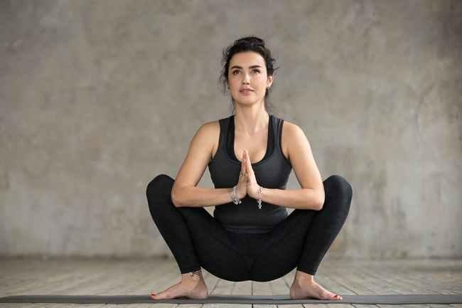 5 Pose Yoga untuk Meningkatkan Peluang Hamil - Alodokter