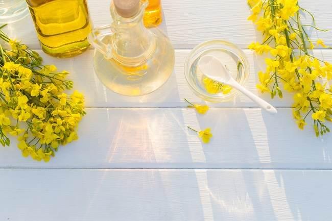 5 Manfaat Minyak Kanola yang Wajib Ibu Ketahui - Alodokter