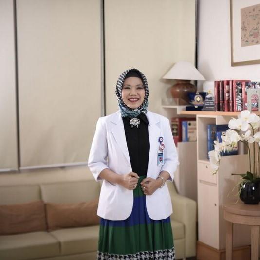 drg. Eva Fauziah, Sp.KGA