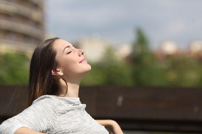 Teknik Relaksasi untuk Mengatasi Kecemasan - Alodokter
