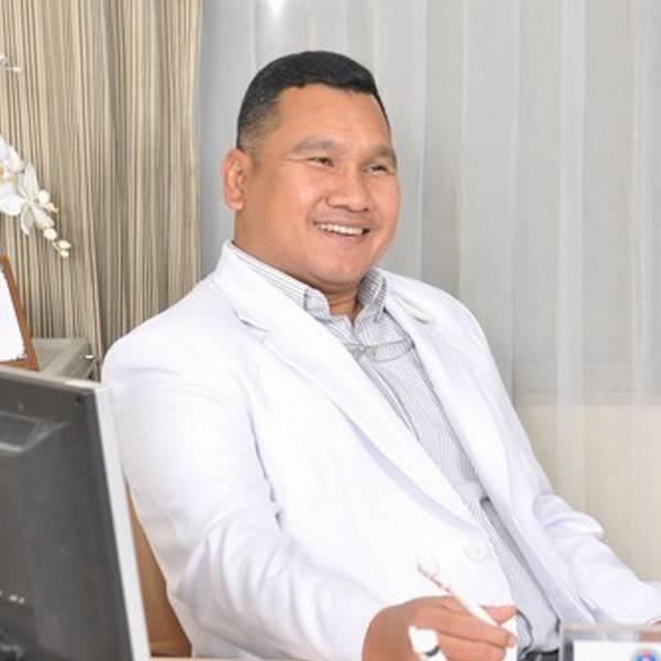 dr. Fachrisal Ipang, Sp.OT (K)