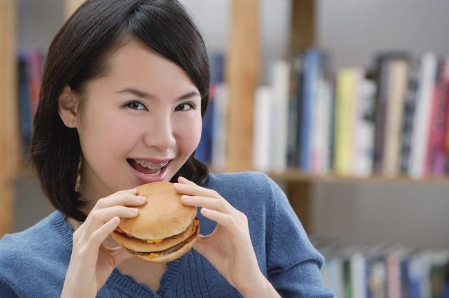 Kebiasaan Sehari-hari Ini Bisa Bahayakan Kesehatanmu - Alodokter