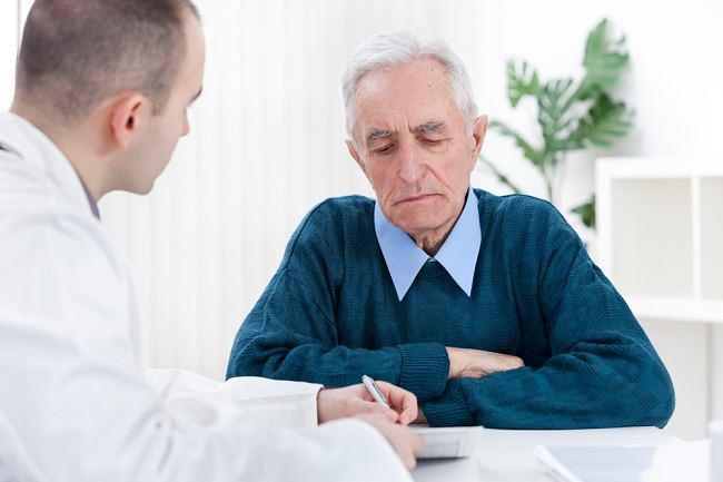 Penyebab dan Cara Mengatasinya Infeksi Saluran Kencing pada Pria - Alodokter
