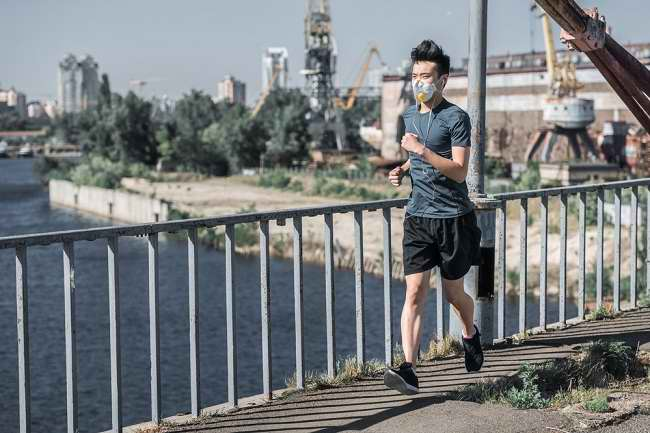 Tips Tetap Aman Berolahraga di Lingkungan Berpolusi Udara - Alodokter