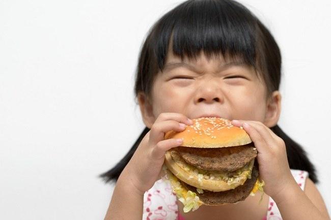 Benarkah Makanan Cepat Saji Picu Depresi pada Anak? - Alodokter