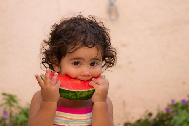Ketahui Manfaat Semangka untuk Bayi Anda - Alodokter