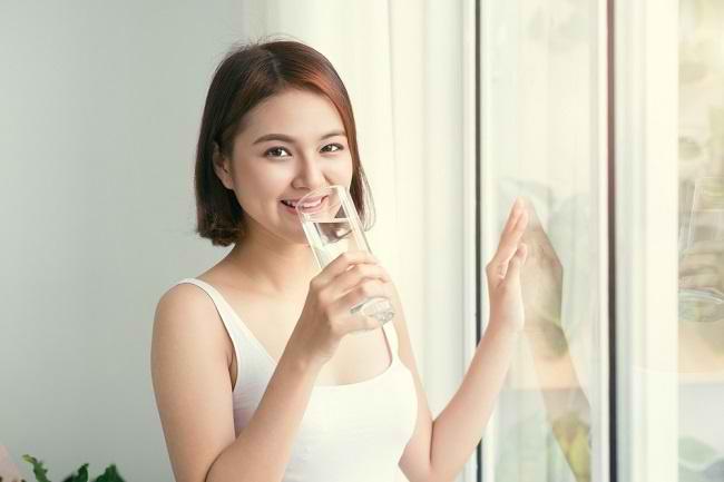 Ingin Langsing dengan Diet Air Putih? Yuk, Ketahui di Sini - Alodokter
