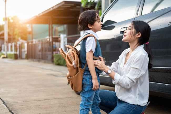 Si Kecil Menolak untuk Pergi ke Sekolah? Ini Cara Membujuknya - Alodokter