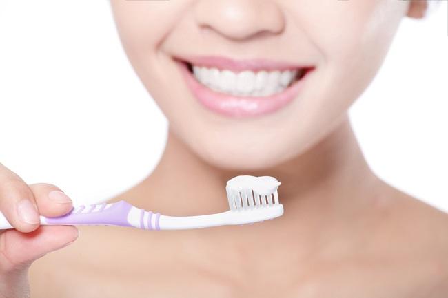 Cermat Memilih Pasta Gigi Untuk Gigi Sensitif - Alodokter