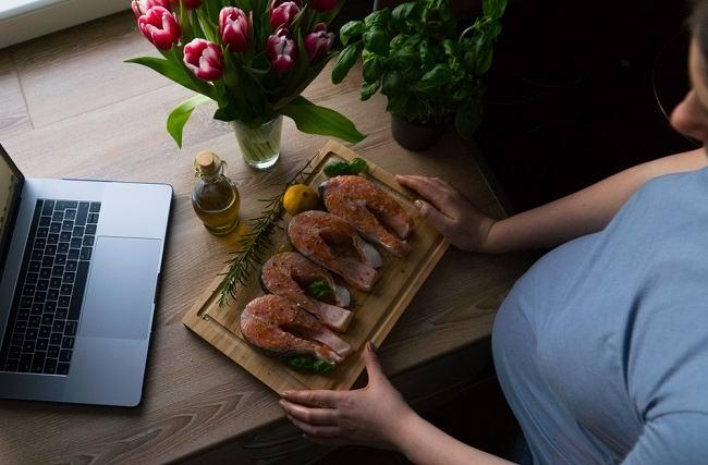 Manfaat Makan Ikan Saat Hamil dan Aturan yang Harus Diperhatikan - Alodokter