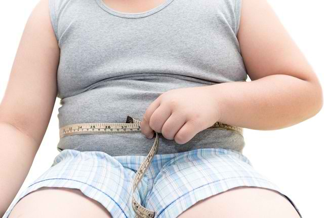 Bunda dan Ayah Perlu Tahu Cara Mencegah Obesitas pada Anak - Alodokter