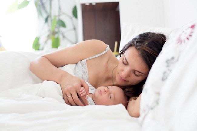 Mengantuk Setelah Menyusui? Ini Alasannya - Alodokter