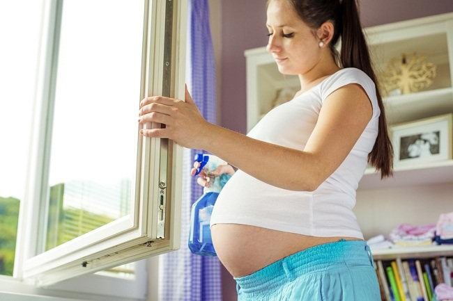 Pekerjaan Rumah yang Harus Dihindari Ibu Hamil - Alodokter