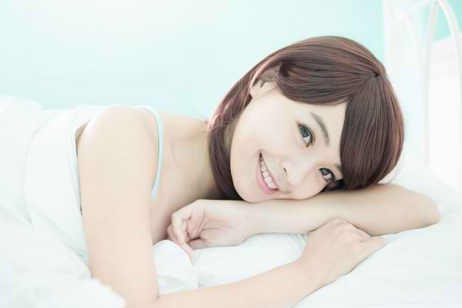 Lakukan 5 Kebiasaan Ini untuk Mendapatkan Wajah Cerah ketika Bangun Tidur - Alodokter