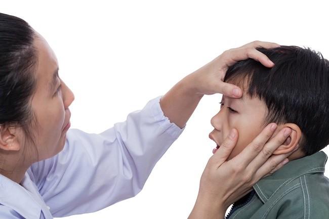 Berbagai Penyebab Mata Bengkak pada Anak dan Cara Mengatasinya - Alodokter