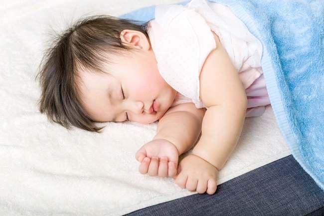 Perhatikan Pengaturan Suhu AC untuk Bayi yang Tepat - Alodokter