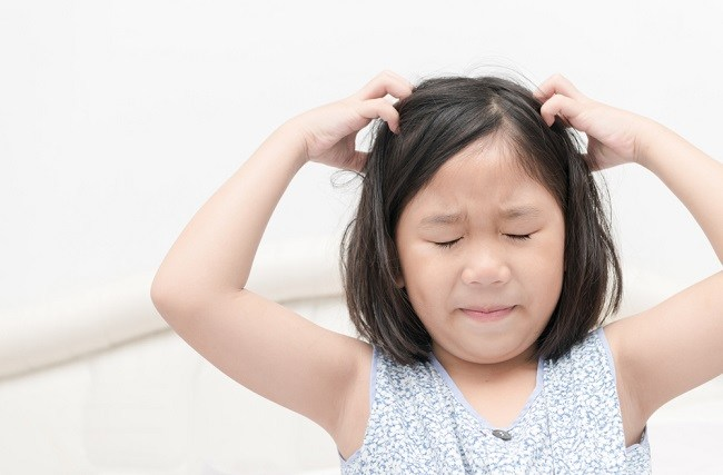 Ini Cara Ampuh Mengatasi Ketombe pada Anak - Alodokter