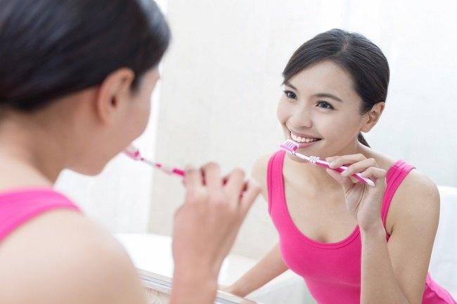 Kenali Penyebab Sariawan di Gusi dan Cara Mencegahnya - Alodokter