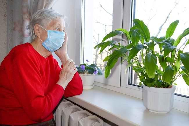 COVID-19 Lebih Berbahaya bagi Lansia di Atas 70 Tahun - Alodokter