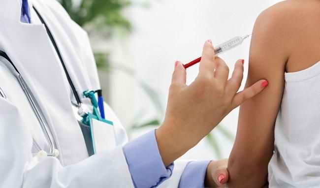 Vaksin Influenza, Kenali Manfaat Hingga Efek Sampingnya - Alodokter