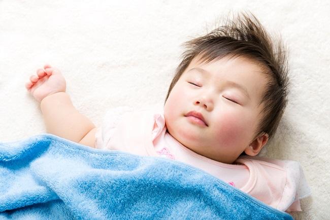 Mencukur Rambut Bayi Membuat Lebih Tebal, Mitos atau Fakta? - Alodokter