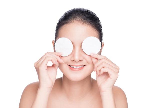 Penyebab dan Cara Mengatasi Mata Bengkak - Alodokter