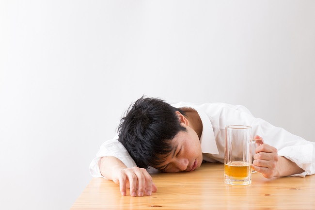 kecanduan alkohol - alodokter