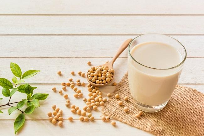 Sederet Manfaat Susu Kedelai bagi Ibu Menyusui - Alodokter
