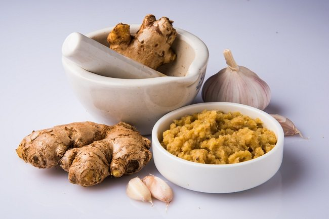 Benarkah Mengonsumsi Bawang Putih dan Jahe Bisa Mencegah COVID-19? - Alodokter