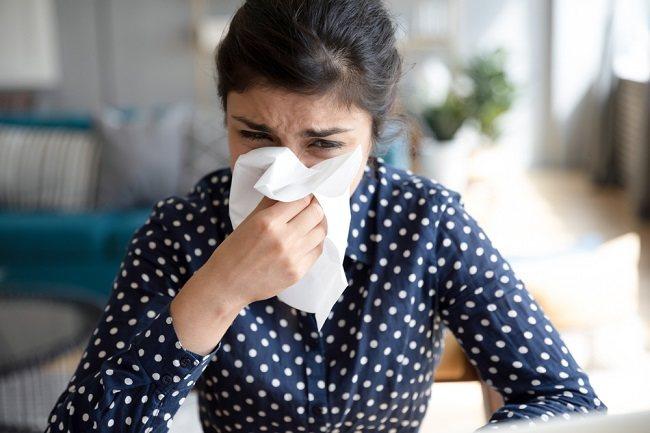 Mencegah dan Mengatasi Pilek Alergi Akibat Polusi Udara - Alodokter
