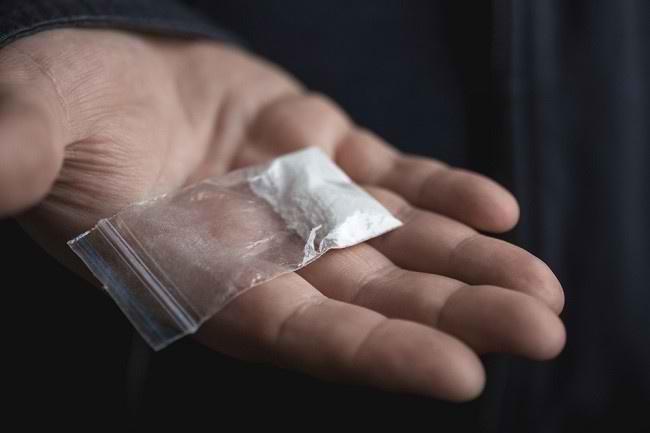 Efek Buruk Kokain, dari Jantung hingga Kematian - Alodokter