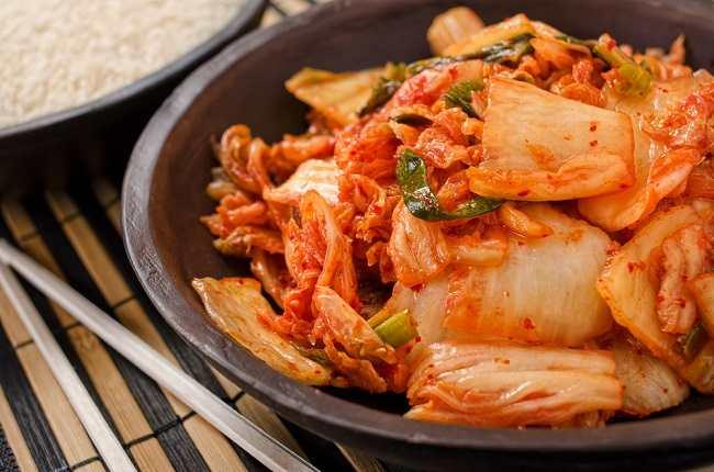 Tak Hanya Lezat, Kimchi Juga Bisa Membuat Kita Sehat - Alodokter