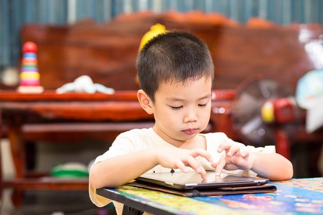 Ini Cara Mengatasi Anak yang Kecanduan Gadget - Alodokter