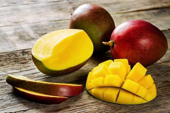Daftar Buah yang mengandung Vitamin A dan Manfaatnya - Alodokter