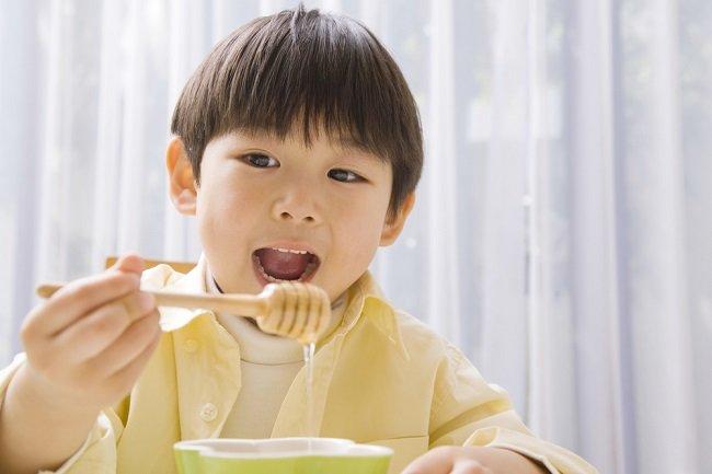 Benarkah Madu Bisa Menambah Nafsu Makan Anak? - Alodokter
