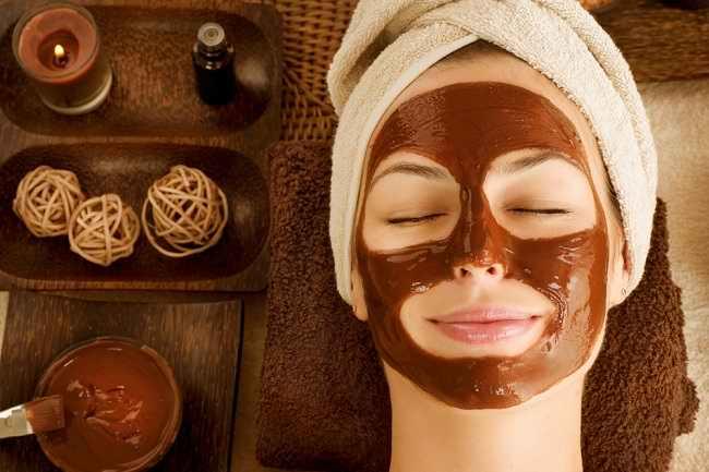 Jenis-Jenis Masker Wajah dan Manfaatnya bagi Kulit - Alodokter
