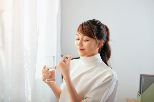 Tips Mencegah Kenaikan Berat Badan Saat Minum Pil KB - Alodokter