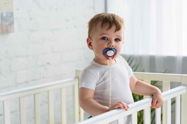 Cara Mengatasi Kebiasaan Ngempeng pada Anak - Alodokter