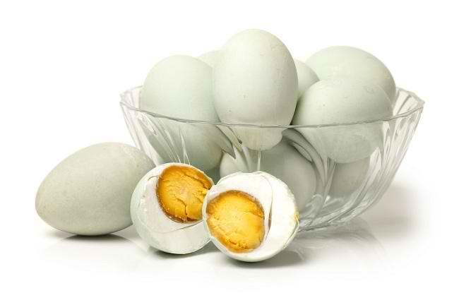 Bahaya Telur Asin jika Dimakan Berlebihan - Alodokter