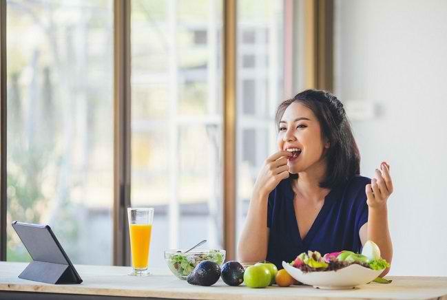 Berikut Ini Makanan dan Tips Meningkatkan Daya Tahan Tubuh yang Benar - Alodokter