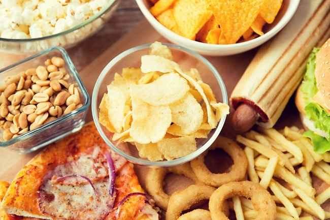 Daftar Makanan Tinggi Garam yang Perlu Diwaspadai - Alodokter